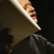 Corrado Costa poeta fotografato da Roberto Tizzi