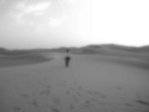 Giulio Marzaioli fotografato in un deserto